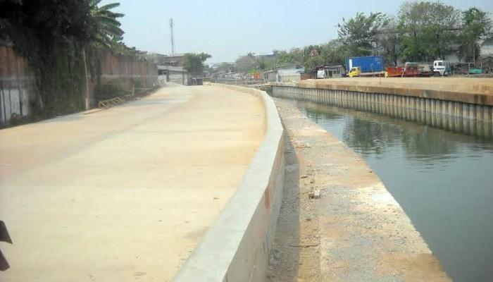 Agung Podomoro Land Lanjutkan Pengerjaan Jalan Inspeksi yang Mangkrak